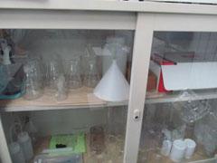 ガラス容器置き場改善