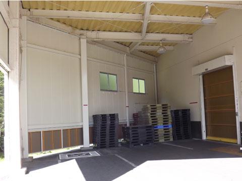 第二倉庫壁設置