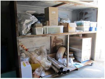コンプレッサー室の棚の整理整頓