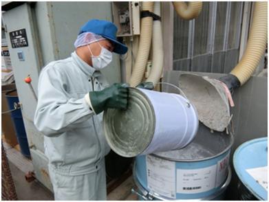 排出粉廃棄作業