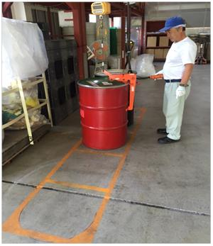 排出粉ドラム缶計量作業