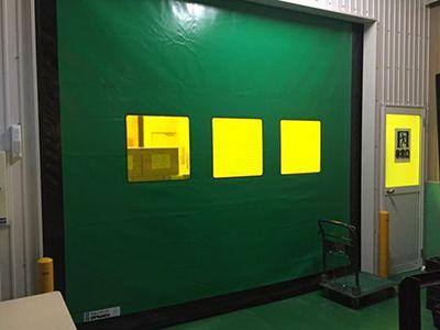シートシャッター(製品原料搬入口エリア外側)