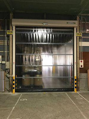 第一倉庫シャッター設置